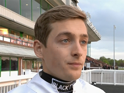 De Vega set for Cheshire Oaks